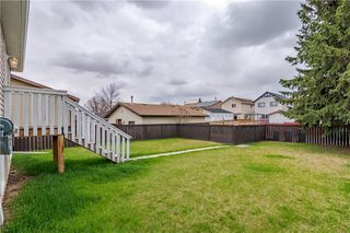 Photo 2: 108 CASTLEBROOK Rise NE in Calgary: Castleridge Detached for sale : MLS®# C4296334
