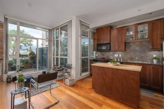 """Photo 4: 217 2515 ONTARIO Street in Vancouver: Mount Pleasant VW Condo for sale in """"ELEMENTS"""" (Vancouver West)  : MLS®# R2470291"""