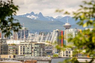 """Photo 6: 217 2515 ONTARIO Street in Vancouver: Mount Pleasant VW Condo for sale in """"ELEMENTS"""" (Vancouver West)  : MLS®# R2470291"""