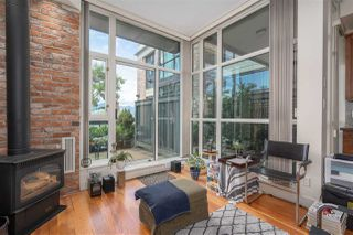 """Photo 7: 217 2515 ONTARIO Street in Vancouver: Mount Pleasant VW Condo for sale in """"ELEMENTS"""" (Vancouver West)  : MLS®# R2470291"""
