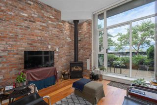 """Photo 10: 217 2515 ONTARIO Street in Vancouver: Mount Pleasant VW Condo for sale in """"ELEMENTS"""" (Vancouver West)  : MLS®# R2470291"""