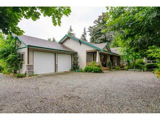 """Photo 2: 9676 STAVE LAKE Street in Mission: Mission BC House for sale in """"Ferndale"""" : MLS®# R2490114"""