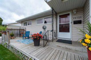 Photo 2: 15721 95 Avenue in Edmonton: Zone 22 House for sale : MLS®# E4214033