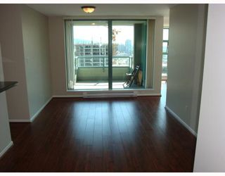 """Photo 3: # 2101 4398 BUCHANAN ST in Burnaby: Brentwood Park Condo for sale in """"BUCHANAN EAST"""" (Burnaby North)  : MLS®# V767917"""