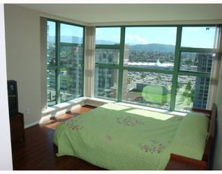 """Photo 5: # 2101 4398 BUCHANAN ST in Burnaby: Brentwood Park Condo for sale in """"BUCHANAN EAST"""" (Burnaby North)  : MLS®# V767917"""