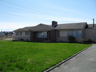 Photo 1: 32172 HUNTINGDON RD in ABBOTSFORD: Poplar House for rent (Abbotsford)