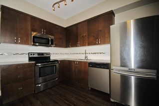 Photo 4: 33 838 ROYAL Avenue in New Westminster: Downtown NW Townhouse for sale : MLS®# R2396234