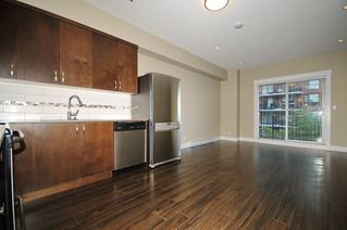 Photo 2: 33 838 ROYAL Avenue in New Westminster: Downtown NW Townhouse for sale : MLS®# R2396234