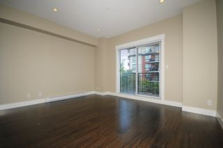 Photo 3: 33 838 ROYAL Avenue in New Westminster: Downtown NW Townhouse for sale : MLS®# R2396234