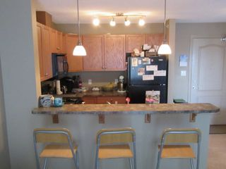 Photo 5: 5951 165 Ave NW in Edmonton: Condo for rent