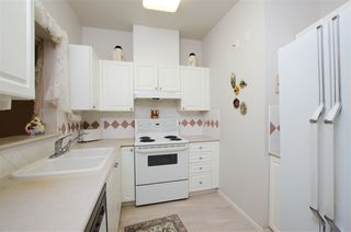 "Photo 3: 420 5518 14 Avenue in Delta: Cliff Drive Condo for sale in ""WINDSOR WOODS"" (Tsawwassen)  : MLS®# R2431173"
