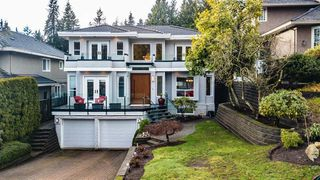 Photo 1: 1725 ORKNEY Place in North Vancouver: Northlands House for sale : MLS®# R2431722