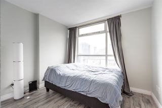 """Photo 13: 1802 438 SEYMOUR Street in Vancouver: Downtown VW Condo for sale in """"THE CONFERENCE PLAZA"""" (Vancouver West)  : MLS®# R2439479"""
