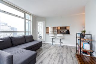 """Photo 7: 1802 438 SEYMOUR Street in Vancouver: Downtown VW Condo for sale in """"THE CONFERENCE PLAZA"""" (Vancouver West)  : MLS®# R2439479"""