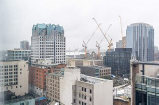 """Photo 5: 1802 438 SEYMOUR Street in Vancouver: Downtown VW Condo for sale in """"THE CONFERENCE PLAZA"""" (Vancouver West)  : MLS®# R2439479"""