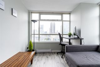 """Photo 9: 1802 438 SEYMOUR Street in Vancouver: Downtown VW Condo for sale in """"THE CONFERENCE PLAZA"""" (Vancouver West)  : MLS®# R2439479"""