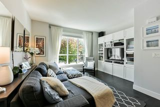 """Photo 3: 8 15405 31 Avenue in Surrey: Grandview Surrey Townhouse for sale in """"Nuvo 2"""" (South Surrey White Rock)  : MLS®# R2476229"""