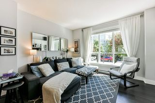 """Photo 4: 8 15405 31 Avenue in Surrey: Grandview Surrey Townhouse for sale in """"Nuvo 2"""" (South Surrey White Rock)  : MLS®# R2476229"""