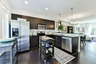 """Photo 11: 8 15405 31 Avenue in Surrey: Grandview Surrey Townhouse for sale in """"Nuvo 2"""" (South Surrey White Rock)  : MLS®# R2476229"""