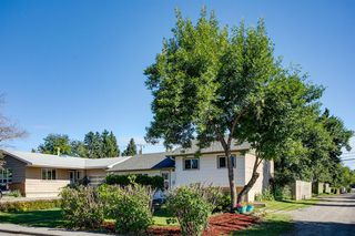 Photo 2: 1308 107 Avenue SW in Calgary: Southwood Detached for sale : MLS®# A1013669
