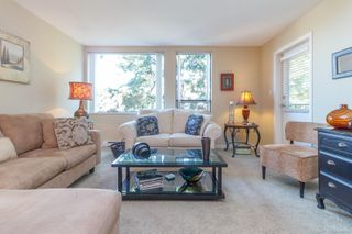 Photo 8: 307 520 Foster St in : Es Saxe Point Condo Apartment for sale (Esquimalt)  : MLS®# 854189