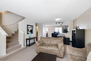 Photo 7: 261 ELGIN Gardens SE in Calgary: McKenzie Towne Row/Townhouse for sale : MLS®# A1031514