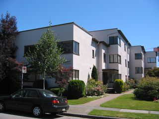 Photo 1: 104-6020 East Boulevard in Vancouver West: Kerrisdale Condo for sale