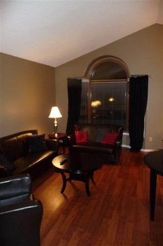 Photo 2: 464 Springfield RD in Winnipeg: North Kildonan Residential for sale (North East Winnipeg)  : MLS®# 1002953