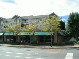 Photo 1: 105-6395 198 St. in Langley: Home for sale : MLS®# F3001185