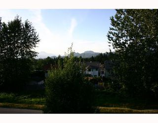 Photo 10: 9 22980 ABERNETHY Lane in Maple_Ridge: East Central Townhouse for sale (Maple Ridge)  : MLS®# V663658