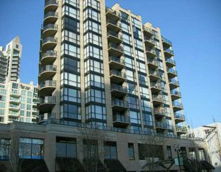 "Photo 1: 303 124 W 1ST ST in North Vancouver: Lower Lonsdale Condo for sale in ""THE 'Q'"" : MLS®# V586942"