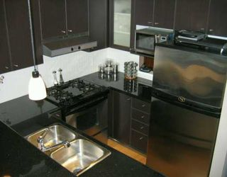 "Photo 5: 303 124 W 1ST ST in North Vancouver: Lower Lonsdale Condo for sale in ""THE 'Q'"" : MLS®# V586942"