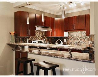 "Photo 1: 302 436 7TH Street in New_Westminster: Uptown NW Condo for sale in ""Regency Court"" (New Westminster)  : MLS®# V686849"