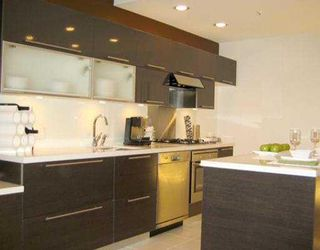 """Photo 4: 306 1252 HORNBY Street in Vancouver: Downtown VW Condo for sale in """"PURE"""" (Vancouver West)  : MLS®# V702183"""