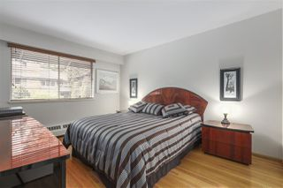 "Photo 12: 101 235 KEITH Road in West Vancouver: Cedardale Townhouse for sale in ""SPURWAY GARDENS"" : MLS®# R2393572"