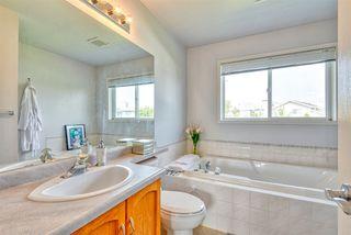 Photo 17: 843 113A Street in Edmonton: Zone 16 House for sale : MLS®# E4168099