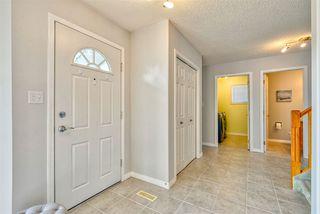 Photo 2: 843 113A Street in Edmonton: Zone 16 House for sale : MLS®# E4168099