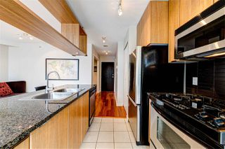 "Photo 5: 308 1010 RICHARDS Street in Vancouver: Yaletown Condo for sale in ""THE GALLERY"" (Vancouver West)  : MLS®# R2401488"