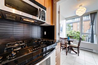 "Photo 6: 308 1010 RICHARDS Street in Vancouver: Yaletown Condo for sale in ""THE GALLERY"" (Vancouver West)  : MLS®# R2401488"