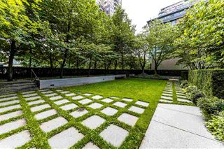 "Photo 3: 308 1010 RICHARDS Street in Vancouver: Yaletown Condo for sale in ""THE GALLERY"" (Vancouver West)  : MLS®# R2401488"