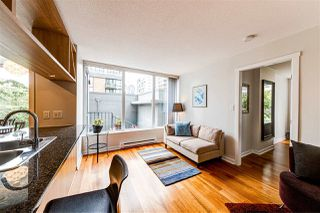 "Photo 4: 308 1010 RICHARDS Street in Vancouver: Yaletown Condo for sale in ""THE GALLERY"" (Vancouver West)  : MLS®# R2401488"