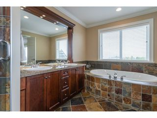 """Photo 14: 2577 EAGLE MOUNTAIN Drive in Abbotsford: Abbotsford East House for sale in """"EAGLE MOUNTAIN"""" : MLS®# R2406624"""