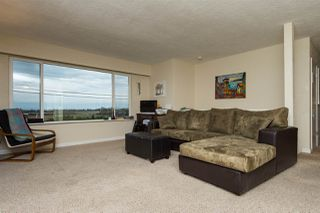 Photo 2: 561 56TH STREET in Delta: Pebble Hill House for sale (Tsawwassen)  : MLS®# R2045239