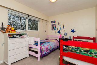 Photo 10: 561 56TH STREET in Delta: Pebble Hill House for sale (Tsawwassen)  : MLS®# R2045239