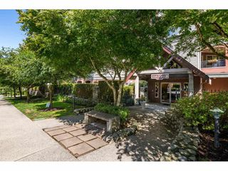 """Photo 3: 405 150 W 22ND Street in North Vancouver: Central Lonsdale Condo for sale in """"The Sierra"""" : MLS®# R2416817"""