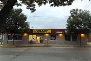 Photo 1: 34 2nd AVE NE in Altona: Business for sale : MLS®# 1826751