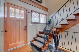 Photo 5: 10 LORNE Place SW in Calgary: North Glenmore Park Detached for sale : MLS®# C4281632