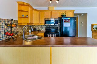 Photo 5: 451 HYNDMAN Crescent in Edmonton: Zone 35 Townhouse for sale : MLS®# E4191608