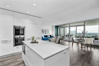 """Photo 3: 5905 1955 ALPHA Way in Burnaby: Brentwood Park Condo for sale in """"AMAZING BRENTWOOD"""" (Burnaby North)  : MLS®# R2489927"""