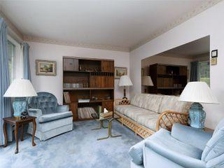 Photo 5: 9 4630 Lochside Dr in : SE Broadmead Row/Townhouse for sale (Saanich East)  : MLS®# 860476